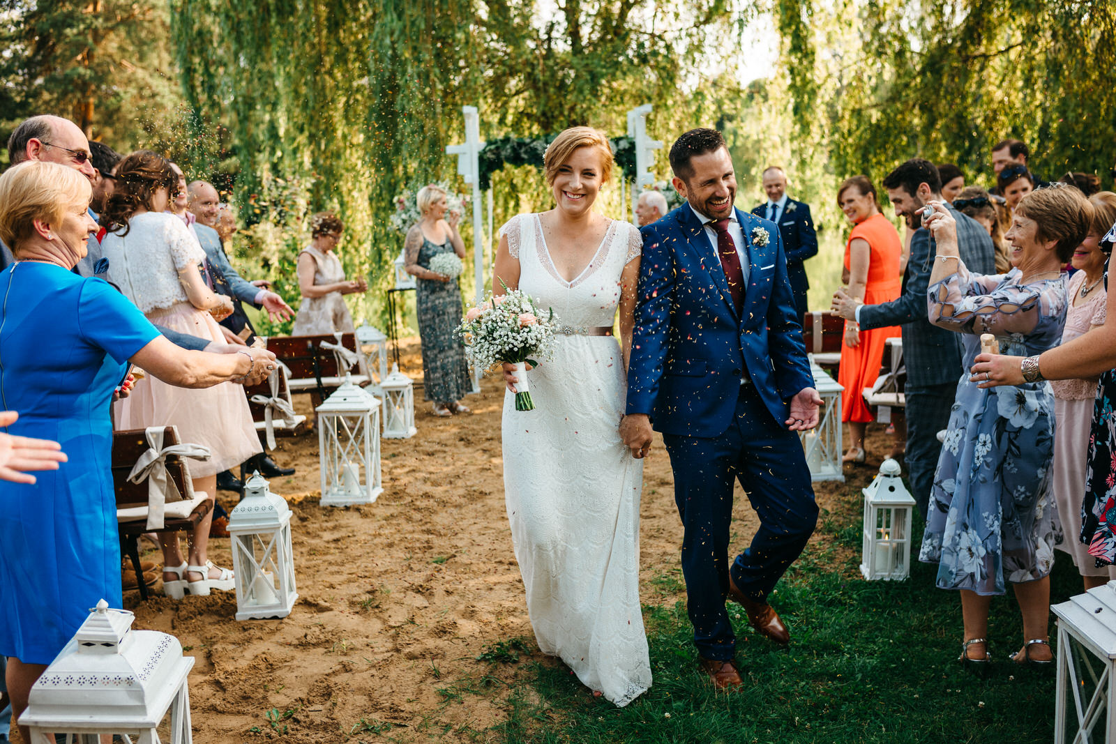 relaxed outdoor wedding 001