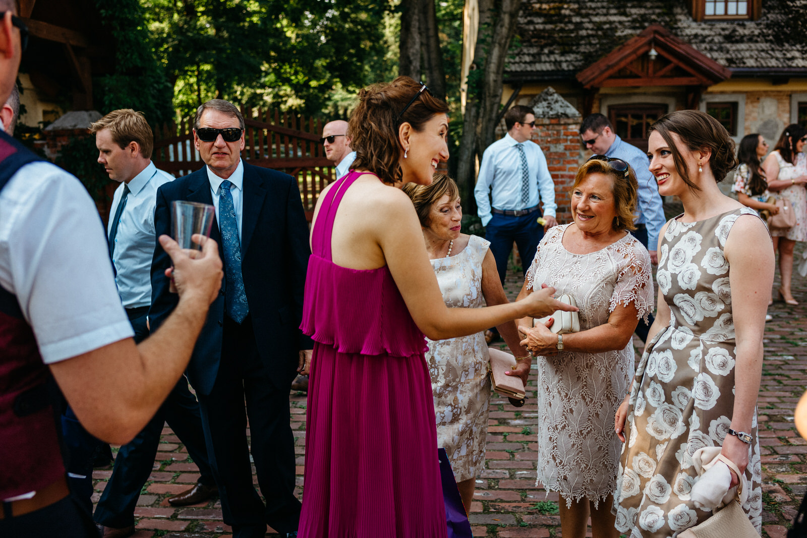 relaxed outdoor wedding 009