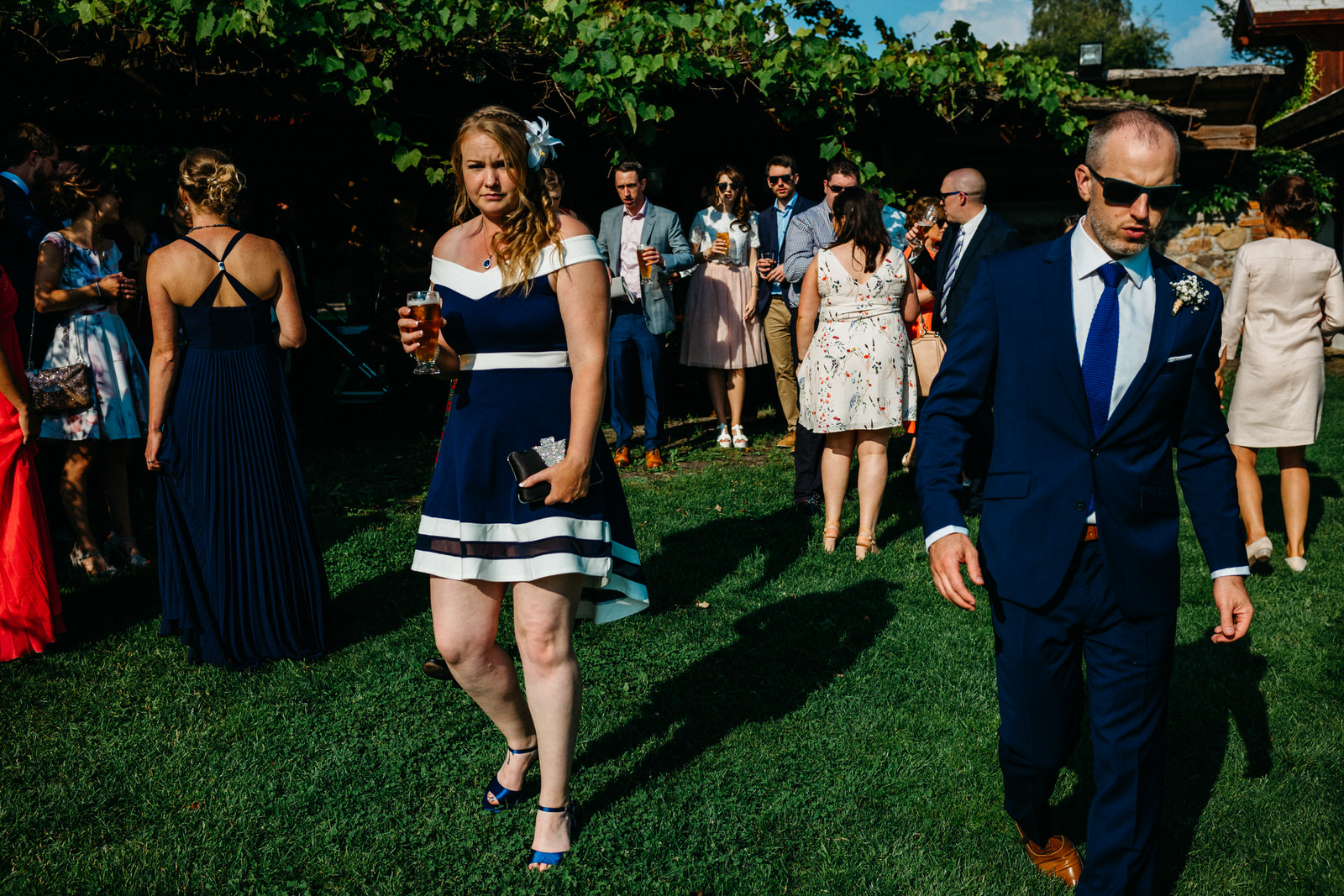 relaxed outdoor wedding 011
