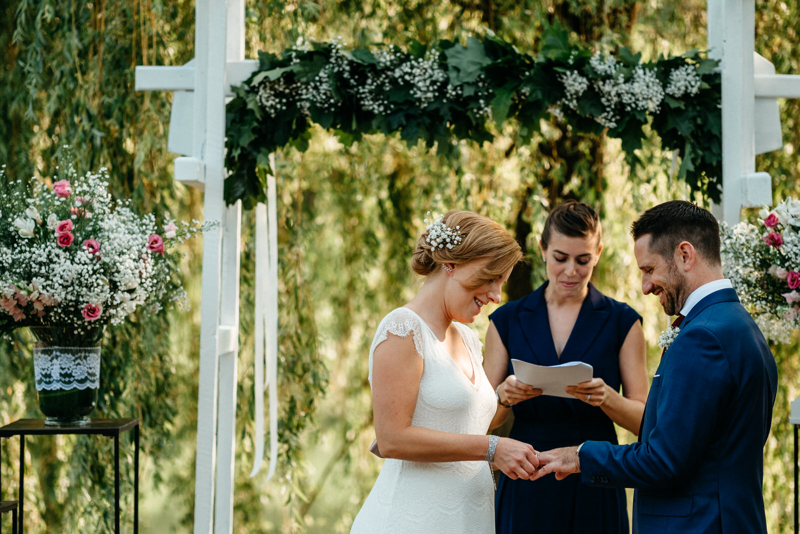 relaxed outdoor wedding 021
