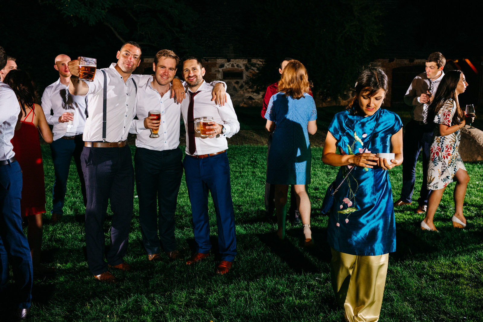 relaxed outdoor wedding 061