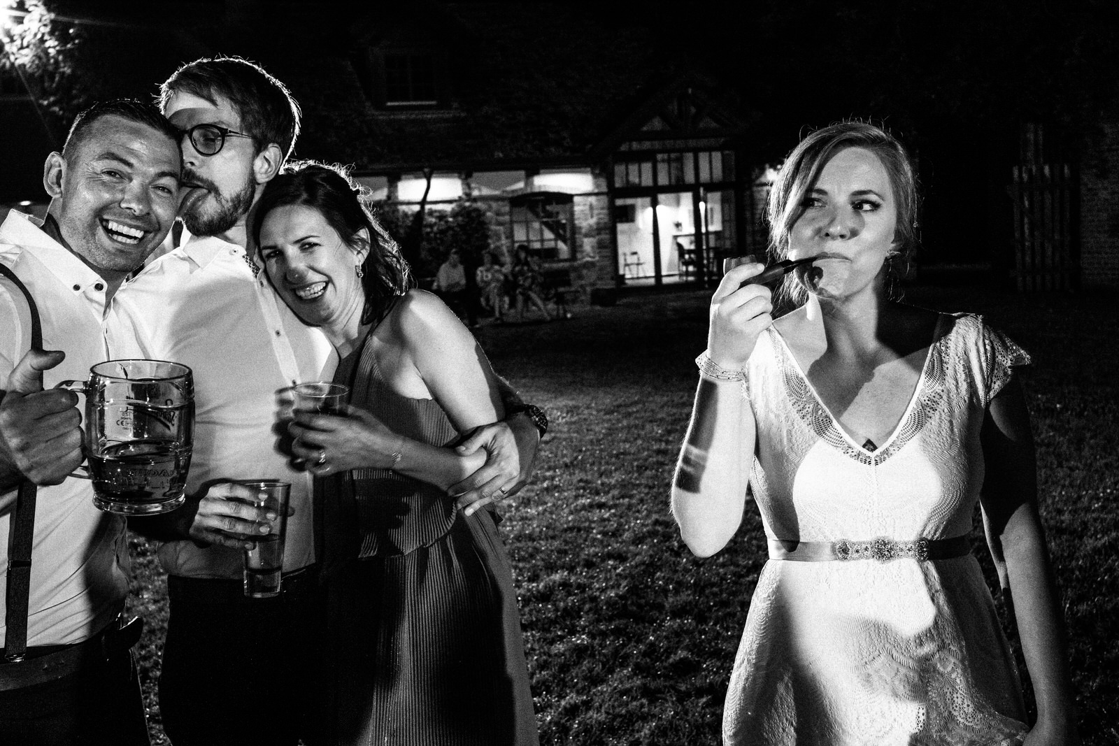 relaxed outdoor wedding 064